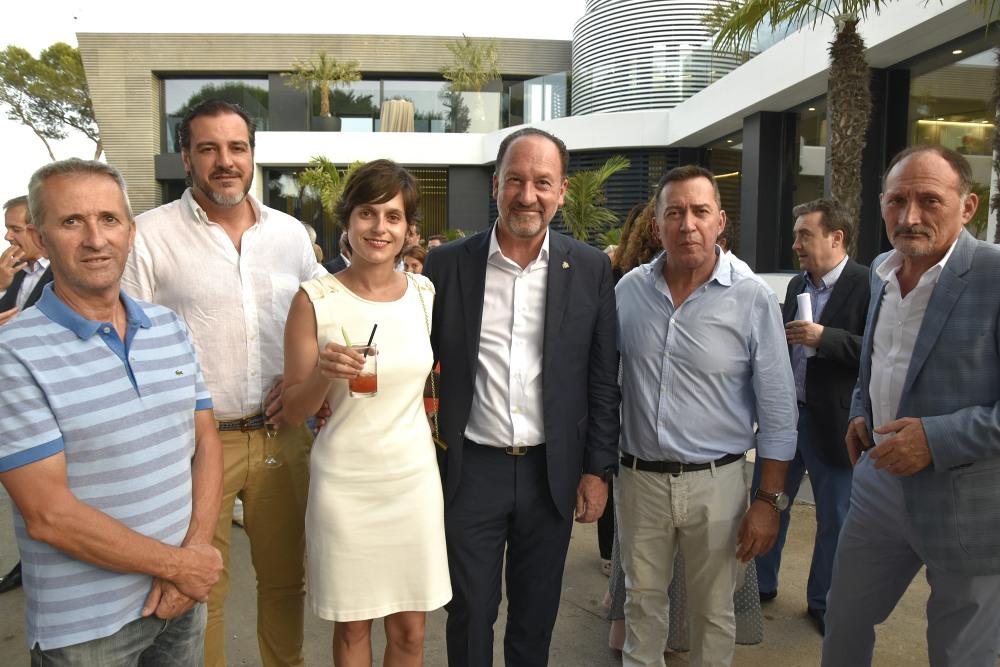 El Alcalde de Orihuela junto a varios de sus concejales asistieron a este aniversario del Grupo Montepiedra
