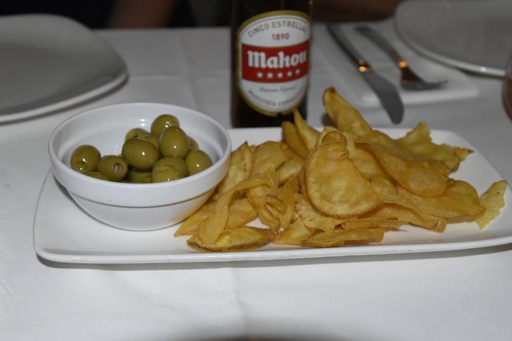 Aperitivos. Las patatas son caseras, un detalle de calidad de este restaurante