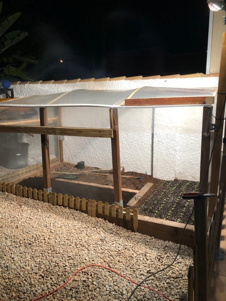 como hacer un invernadero en casa - invernadero en casa de Raúl Fernández